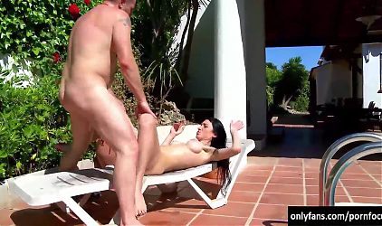Having sex by the pool on a harsh, hot sunny day